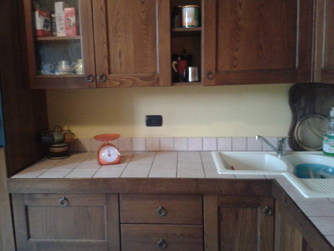 Piastrelle top cucina: brick kitchen with cooktops. kitchen tile ...