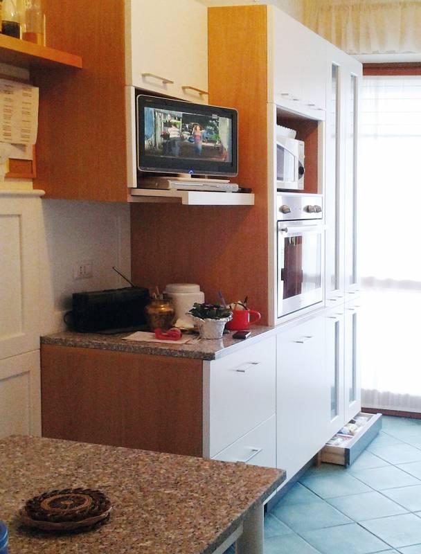 casa: ristrutturazione cucina ed arredamento