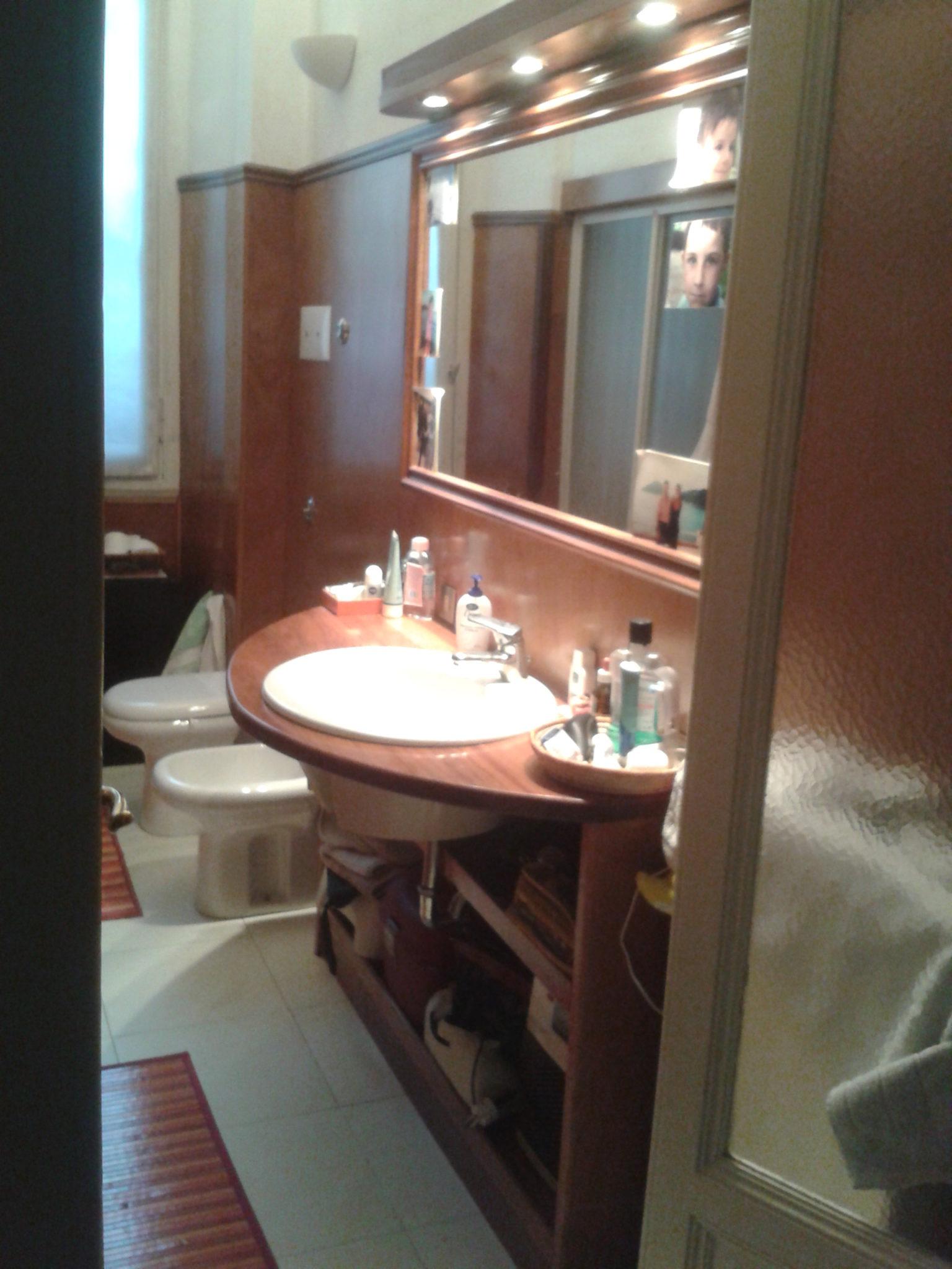 arredamento bagno senza piastrelle