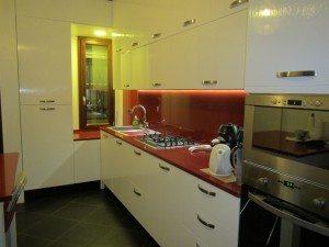 cucina moderna in legno marino