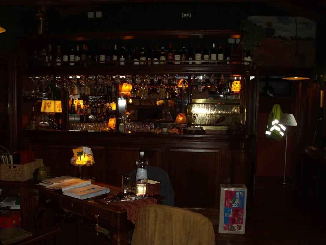 amobile bar arredamento interni : Arredamento Bar Ristoranti Mobili Macchine E Attrezzature Pictures to ...
