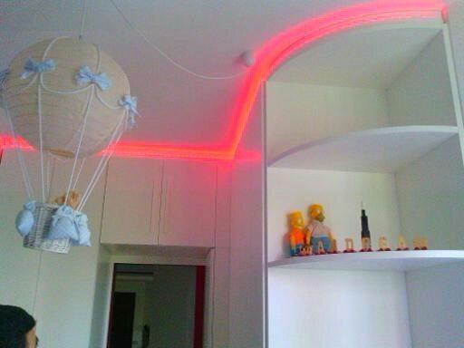 armadio con luci led
