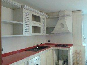 cappa su misura cucina in legno per la cucina