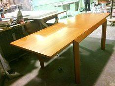 Tavolo allungabile legno massello moderno