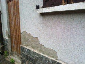 Umidità di risalita nei muri anche con le zoccolature