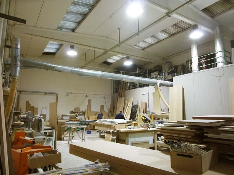 Copricaloriferi coprifancoil in legno creocasa milano a opera for Caloriferi da arredamento