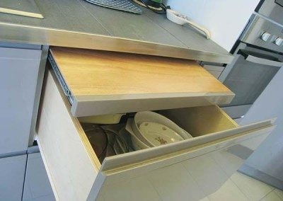 piano-estraibile-sotto-top-cucina
