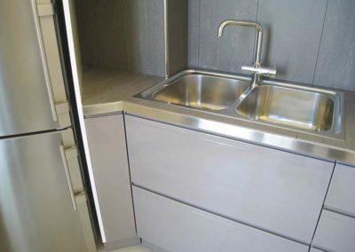cucina-laccata-lucida-lavello-acciaio
