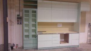 cucina laccata verde chiaro in legno