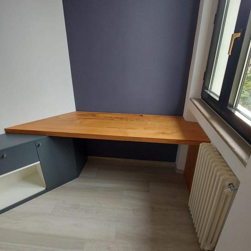 scrivania su misura con piano in massello